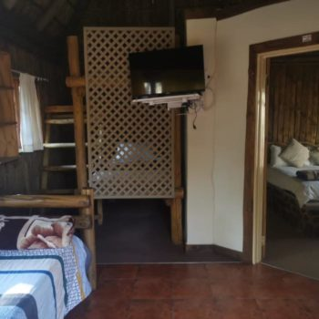 Thaba'Nkwe Bushveld Inn Warthog Chalet